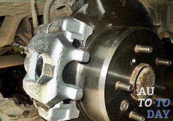 4747eb0 - Устройство заднего тормозного суппорта